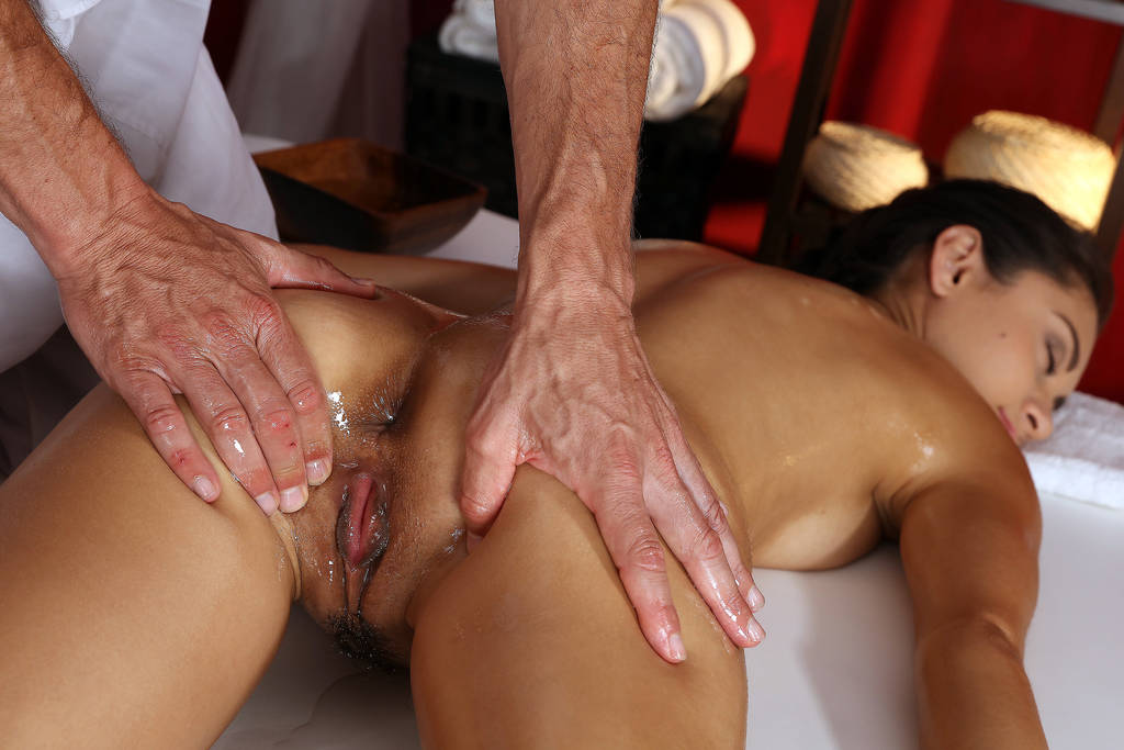 Gemischtrassiger Anal College Massage